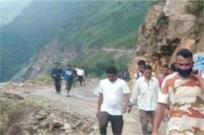 uttarakhand itbp jawans carried the body