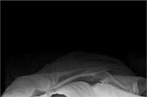 gujarat house husband wife dead bodies