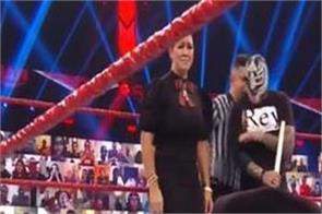 wwe superstar  reymysterio  family  beat  murphy  ring