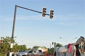 7 killed  40 injured bus crash in thailand