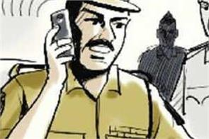 accused beaten by asi  snatched thousands of cash