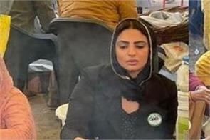 punjabi actress japji khaira made roti in langar at kisan andolan