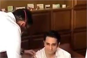 serum institute chief adar poonawalla takes covid vaccine