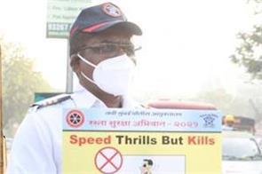 singer shankar mahadevan becomes traffic police cop gave duty at shivaji chowk