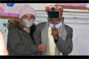 the country  s first voter cast his ballot in kalpa