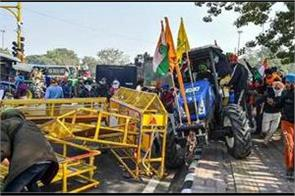 8 buses  17 vehicles more than 300 barricades broken  7 firs lodged