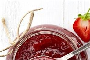 cooking tips here s how to make strawberry jam in the home kitchen