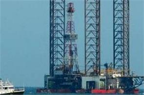 crude oil market erupts attacks on saudi arabia s oil facilities add to trouble
