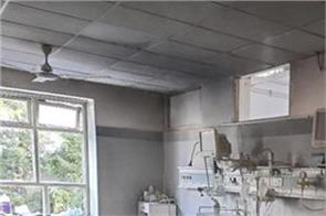delhi  a fire broke out in the icu ward of safdarjung hospital