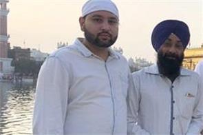 punjabi singer and actor ranjit bawa at sri harmandir sahib   amritsar