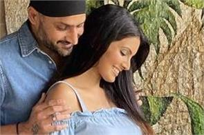 harbhajan singh  geeta basra  expecting second child  together