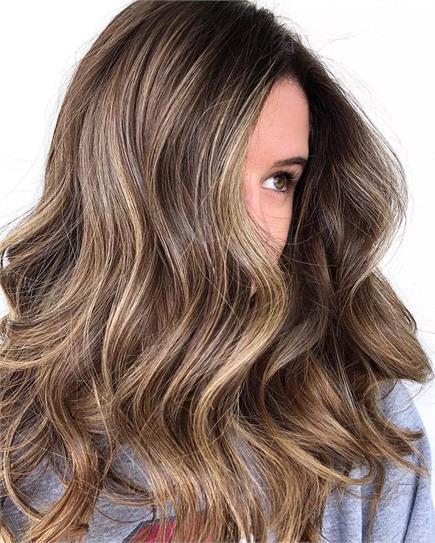 ਤੁਹਾਡੇ ਵਾਲਾਂ ਨੂੰ ਟਰੈਂਡੀ ਲੁੱਕ ਦੇਣਗੇ ਇਹ Hair Colour
