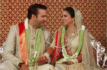 isha ambani wedding card is kept in double locker