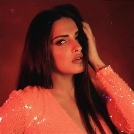 himanshi khurana denies rumours of her entering bb with a statement