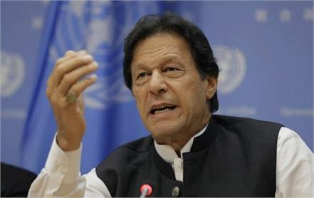 900k troops in kashmir to terrorise 8m people imran khan