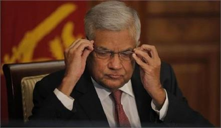 sri lankan pm to step down  clearing way for new president