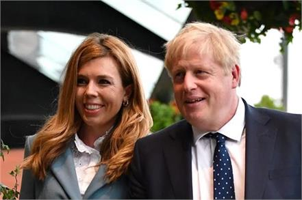 johnson celebrates election win with spicy chicken curry