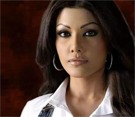 cheque bouncing case  koena mitra gets six months  jail
