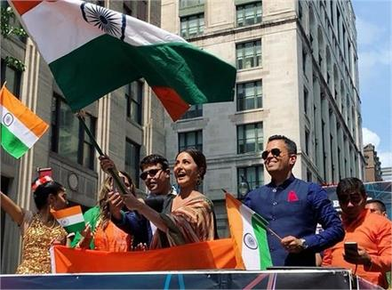 hina khan is a proud indian at india day parade