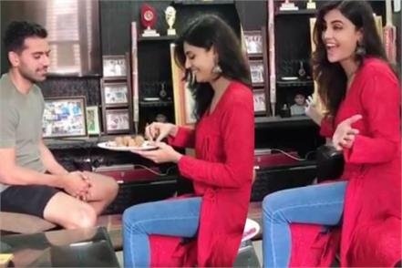deepak chahar gives a big gift to his sister at rakhi festival