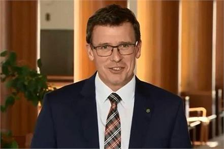 australian partner visa  alan tudge
