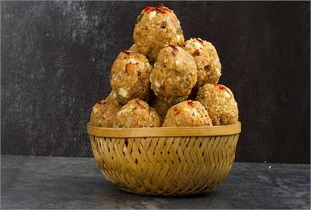 eating sonth ladoo in winter is very beneficial it cures many diseases