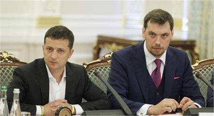 ukraine  s president rejects prime minister  s resignation
