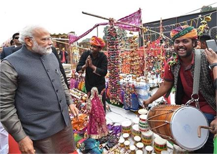 narendra modi at hunar haat at rajpath in new delhi