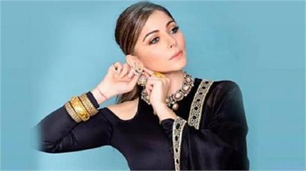 kanika kapoor tested corona negative discharged from hospital
