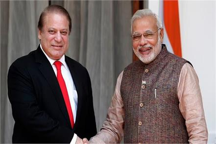 pak railway minister says nawaz sharif is india s agent talking to modi on phone