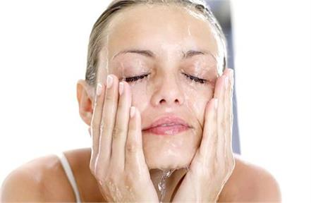beauty tips apply homemade facewash to brighten your face