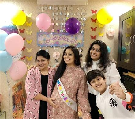 singer harshdeep kaur  baby shower party  photos