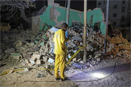 death toll in bombing in somalia  s capital rises to 20