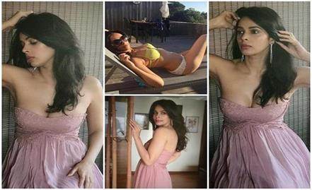 mallika sherawat hot pictuers viral on social media