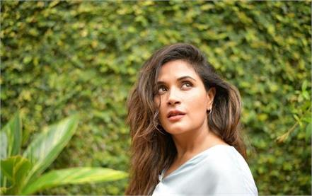 richa chadha viral tweet on shahi snan