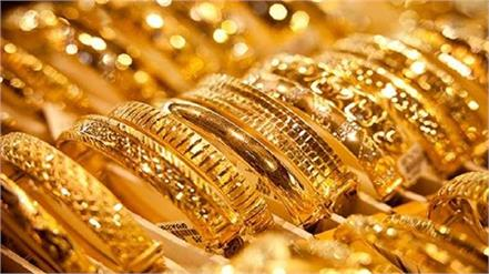 gold price tops 1 800 for first time since february