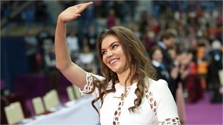 girlfriend of russian president vladimir putin earns over 75 crore rupees
