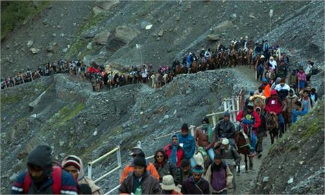 over 2 lakh pilgrims participate in amarnath yatra