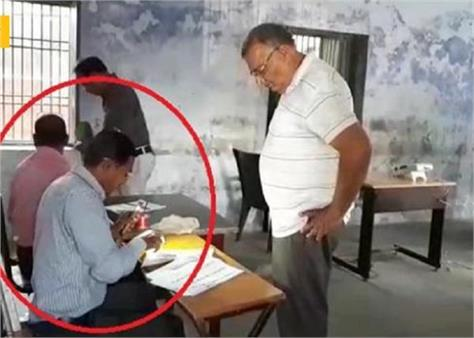 haryana vidhan sabha elections yamunanagar phone flashlight voting