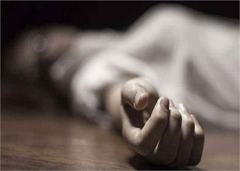 newly married girl commits suicide