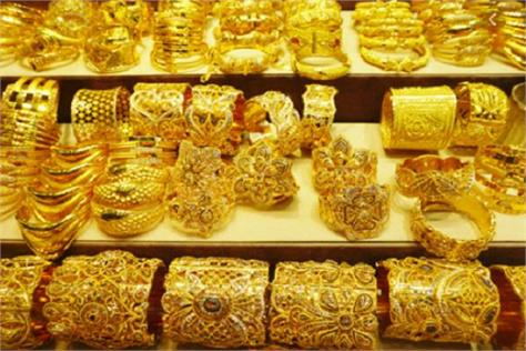 gold hit 70 silver at rs 230