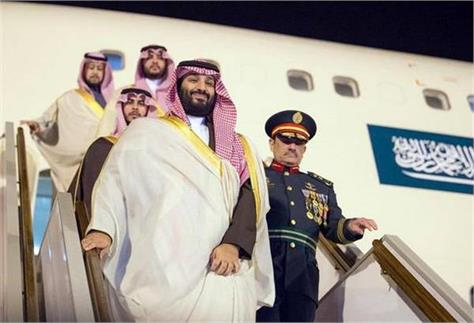 saudi prince arrives at delhi welcome to modi at the airport