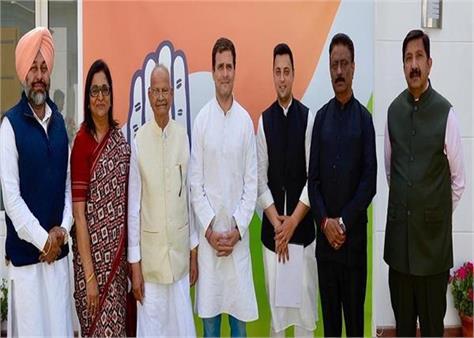 rahul gandhi congress sukhram himachal pradesh