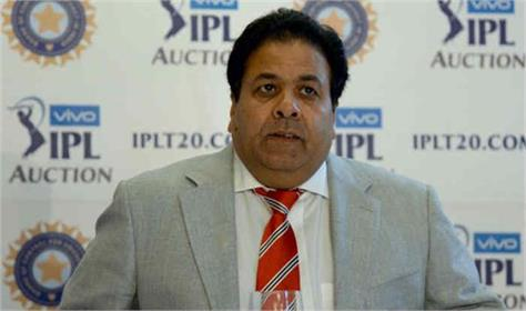 ipl chairman rajiv shukla bowlers not run out  mankading