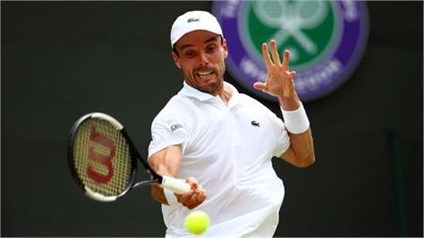 wimbledon reached the semifinals of a bachelor party to cancel robert