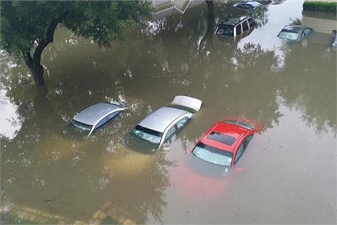 keep your vehicle and your vehicle in mind during floods