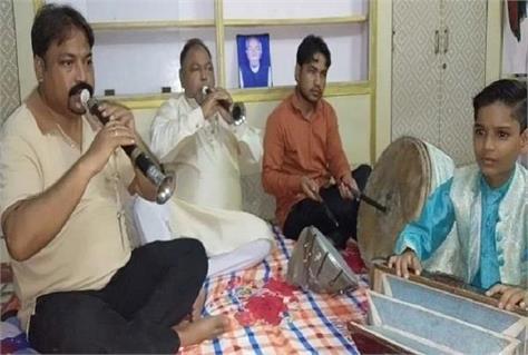 muslim family shehnai playing on janmashtami in mathura