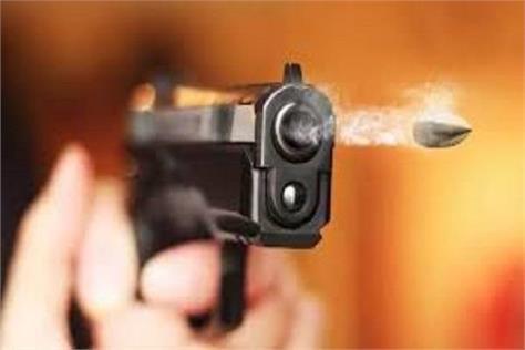 moga  armed men  houses  firing