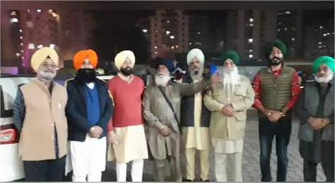 a large contingent from amloh of fatehgarh sahib