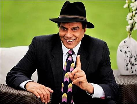 the reason given by actor dharmendra for sharing and deleting tweets